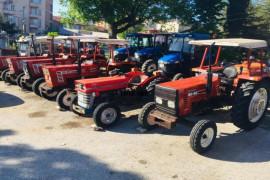 Her bütçeye uygun traktörlerimiz bulunmaktadır.