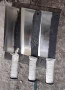 Kamyon makasından yapılmış el dövmesi satır.
